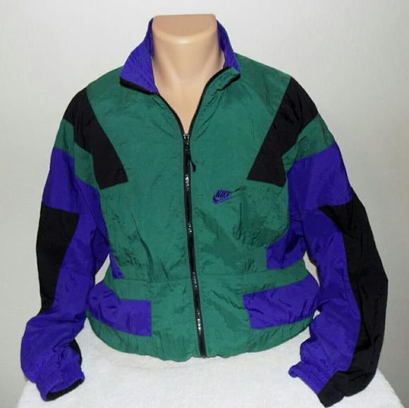 Nike vintage women s colorblock windbreaker. M. M 5b1c6bb504e33d2d7f3c9370 54aecf8c3
